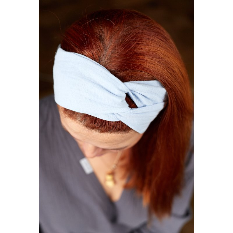 Muslin hairband for women – light blue