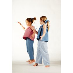 Pajamas on shoulder straps...