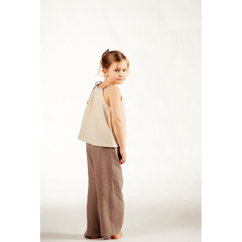 Dziecięca piżamka na ramiączkach z długimi spodniami – piaskowy/latte