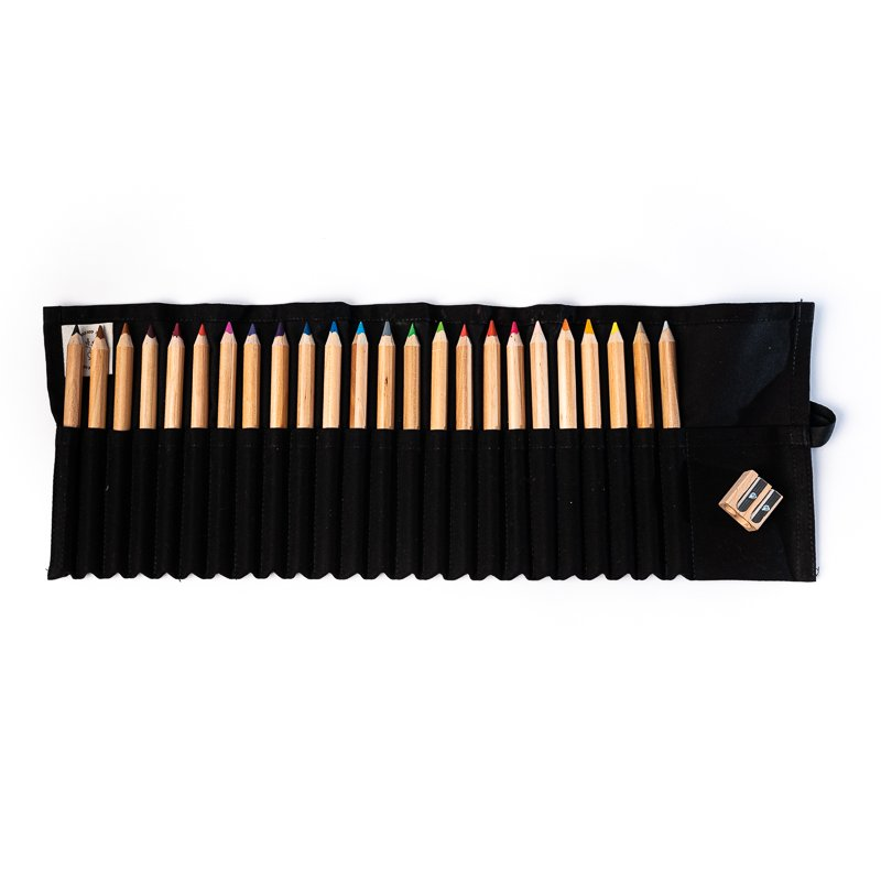 24 CRAYON SET IN BLACK COVER