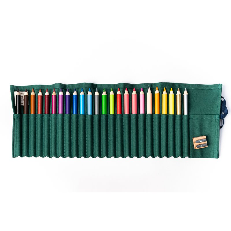 24 CRAYON SET IN GREEN COVER